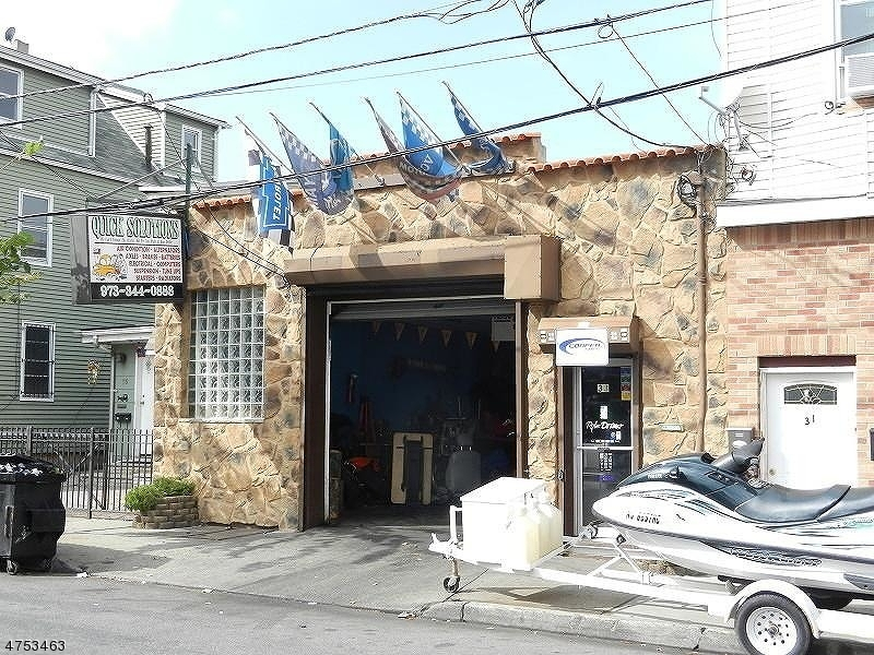 Commercial for Sale at 33 Jackson Street Newark, New Jersey 07105 United States