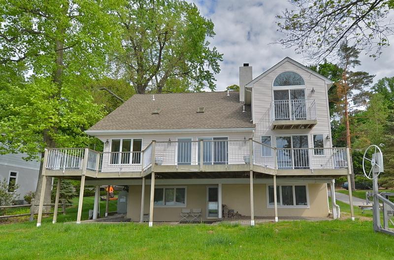 Частный односемейный дом для того Аренда на 262 E Shore Trail Sparta, Нью-Джерси 07871 Соединенные Штаты