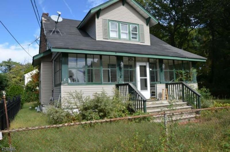 Частный односемейный дом для того Продажа на 19 Charles Street Keansburg, Нью-Джерси 07734 Соединенные Штаты