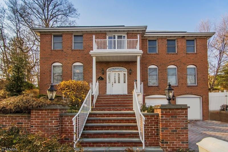 Частный односемейный дом для того Продажа на 2 Wortendyke Avenue Emerson, Нью-Джерси 07630 Соединенные Штаты