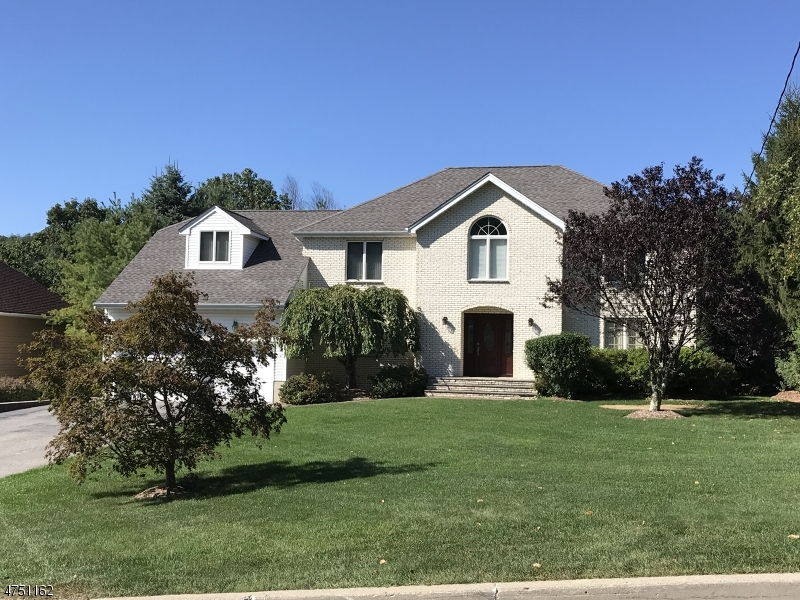 Single Family Home for Sale at 141 Notch Road Jefferson Township, New Jersey 07438 United States