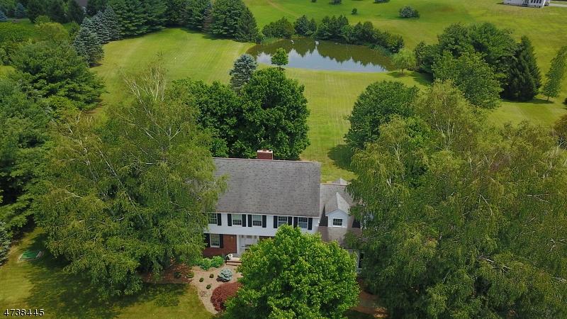 Casa Unifamiliar por un Venta en 5 Highlands Lane Hardwick, Nueva Jersey 07825 Estados Unidos