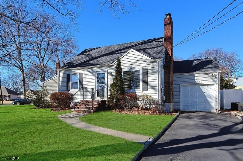 独户住宅 为 销售 在 626 SUMMIT Avenue Kenilworth, 新泽西州 07033 美国