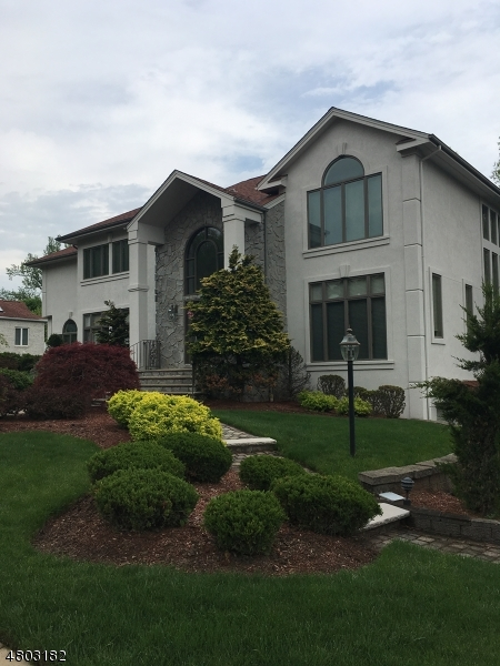 Single Family Home for Sale at 29 Dykers Farm Road North Haledon, New Jersey 07508 United States