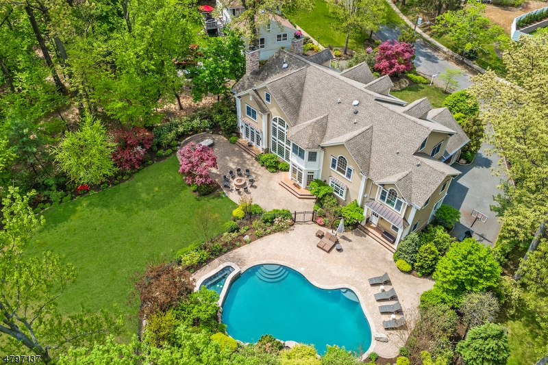 Single Family Home for Sale at 306 Roanoke Road Westfield, New Jersey 07090 United States