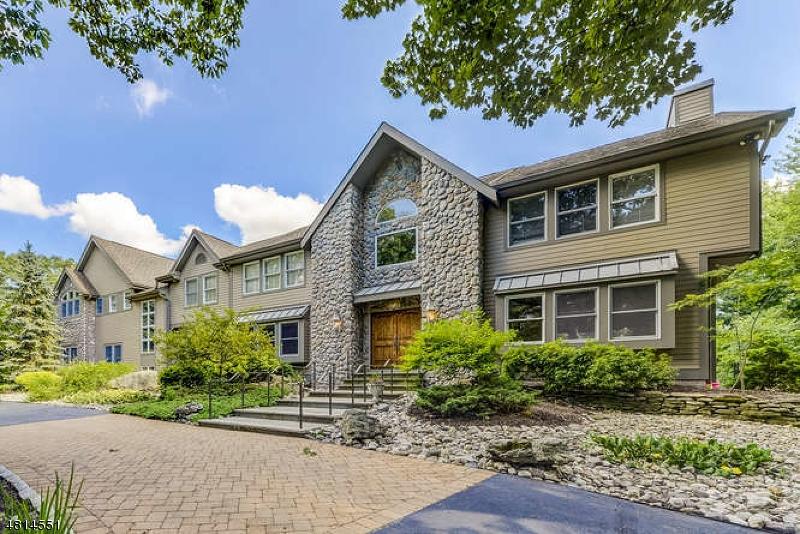 Casa Unifamiliar por un Venta en 143 MILLER Road Kinnelon, Nueva Jersey 07405 Estados Unidos