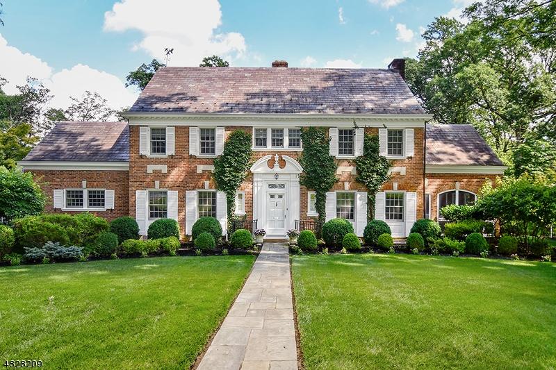 Single Family Home for Sale at 248 OAK RIDGE AVE 248 OAK RIDGE AVE Summit, New Jersey 07901 United States