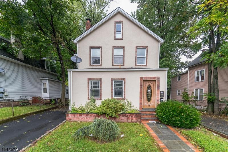 Property pour l Vente à 51 WILLIAM Street Orange, New Jersey 07050 États-Unis