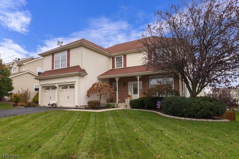 Casa Unifamiliar por un Venta en 74 Buckeley Hill Road Lopatcong, Nueva Jersey 08865 Estados Unidos
