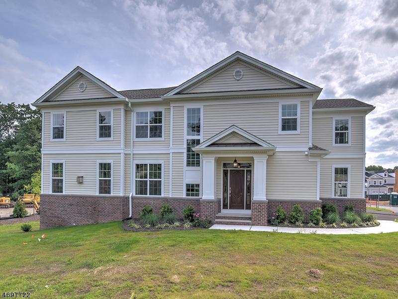 Кондо / дом для того Продажа на Hanover, Нью-Джерси 07981 Соединенные Штаты