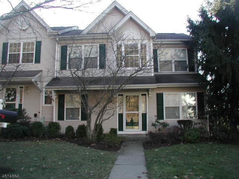 Condo / Townhouse pour l à louer à 326 ENCLAVE Lane Bedminster, New Jersey 07921 États-Unis