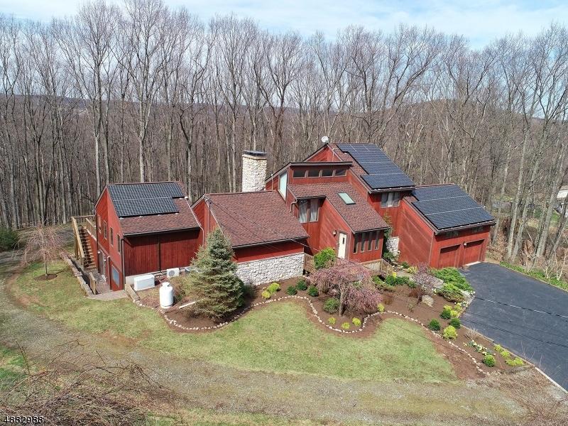 Частный односемейный дом для того Продажа на 11 FOUNTAIN GROVE Road Glen Gardner, Нью-Джерси 08826 Соединенные Штаты