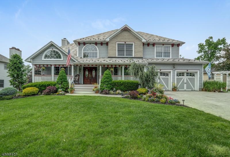 single family homes для того Продажа на East Hanover, Нью-Джерси 07936 Соединенные Штаты