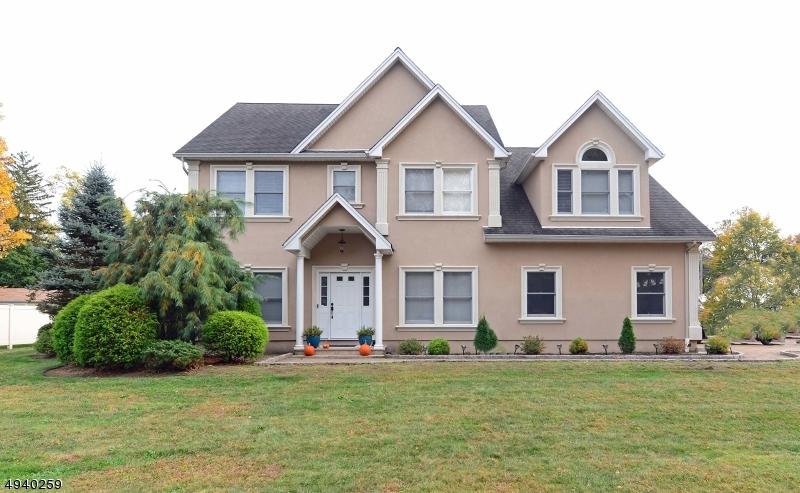 Single Family Homes pour l Vente à Pequannock, New Jersey 07440 États-Unis