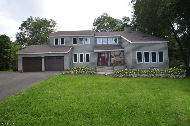 Single Family Homes für Verkauf beim Roxbury Township, New Jersey 07850 Vereinigte Staaten