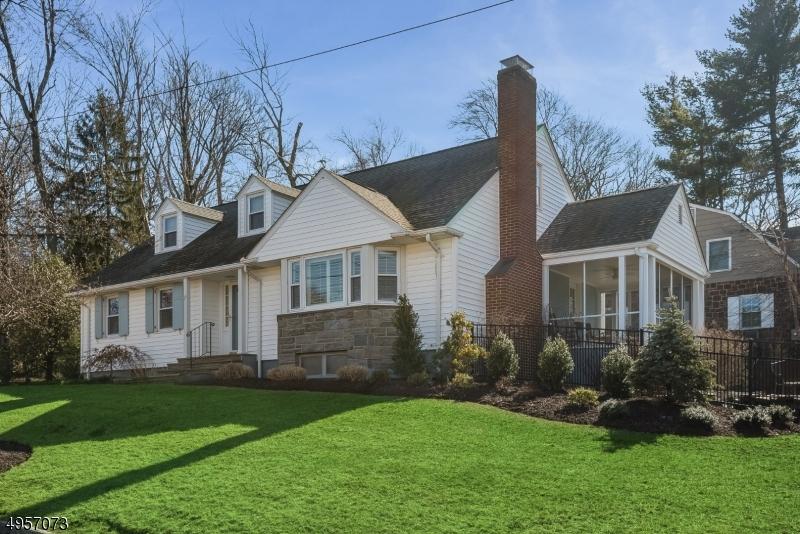 Property 为 销售 在 维罗纳, 新泽西州 07044 美国