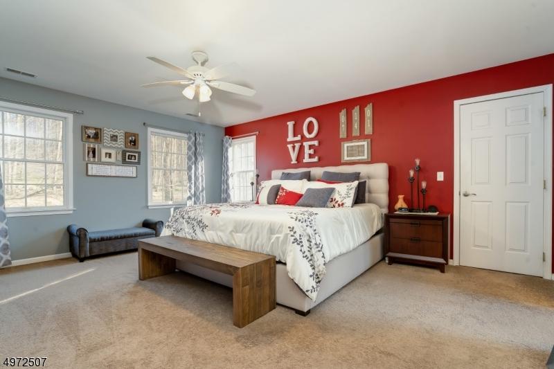 Additional photo for property listing at 2 MOUNTAIN BROOK Lane Lebanon, Nueva Jersey 08826 Estados Unidos
