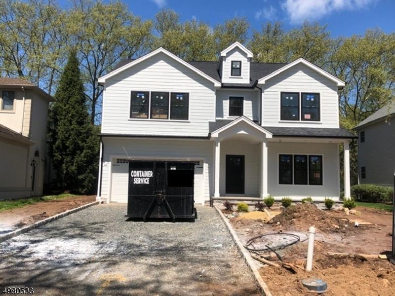 Single Family Homes 为 销售 在 斯普林菲尔德, 新泽西州 07081 美国