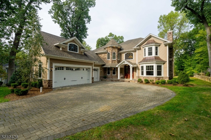 Single Family Homes のために 売買 アット Essex Fells, ニュージャージー 07021 アメリカ