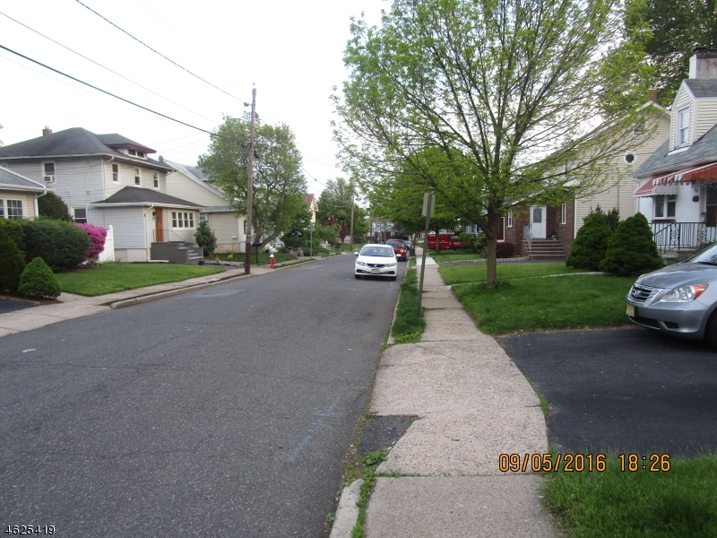 Additional photo for property listing at 314 Placeeasant Place  Teaneck, Нью-Джерси 07666 Соединенные Штаты