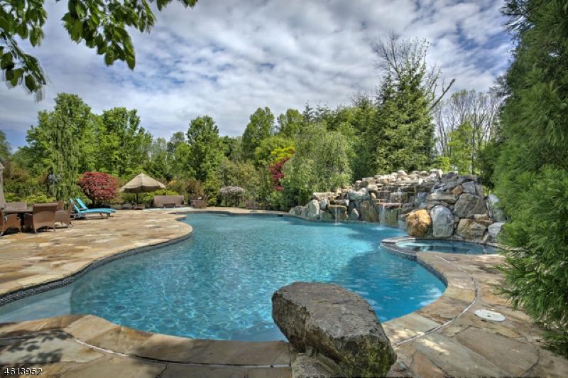 Частный односемейный дом для того Продажа на 57 Overlook Avenue Basking Ridge, 07920 Соединенные Штаты