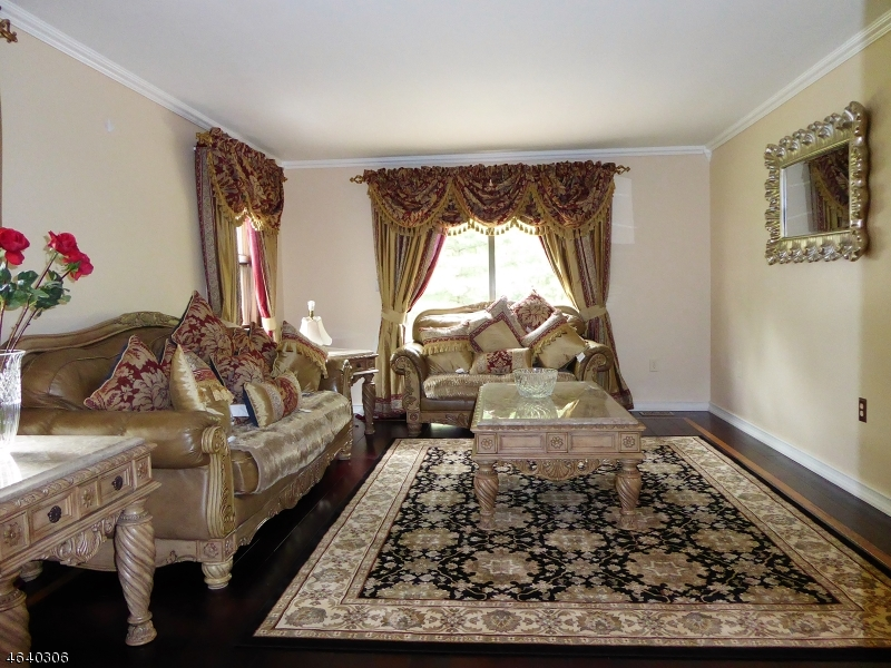 Additional photo for property listing at 105 Clyde Road  Somerset, New Jersey 08873 United States