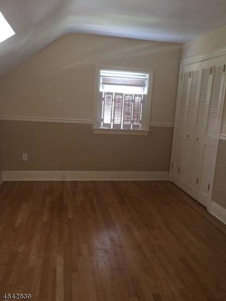 Additional photo for property listing at 121 Chadwick Road  Teaneck, Нью-Джерси 07666 Соединенные Штаты