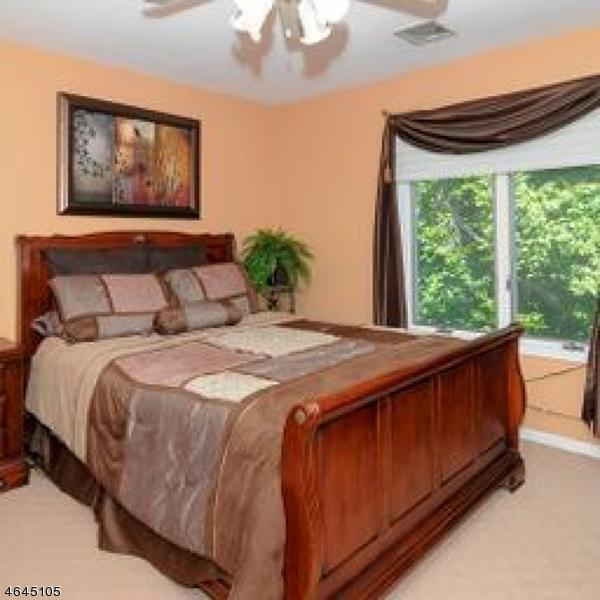 Additional photo for property listing at 5 Fair Ridge Court  Wayne, New Jersey 07470 États-Unis