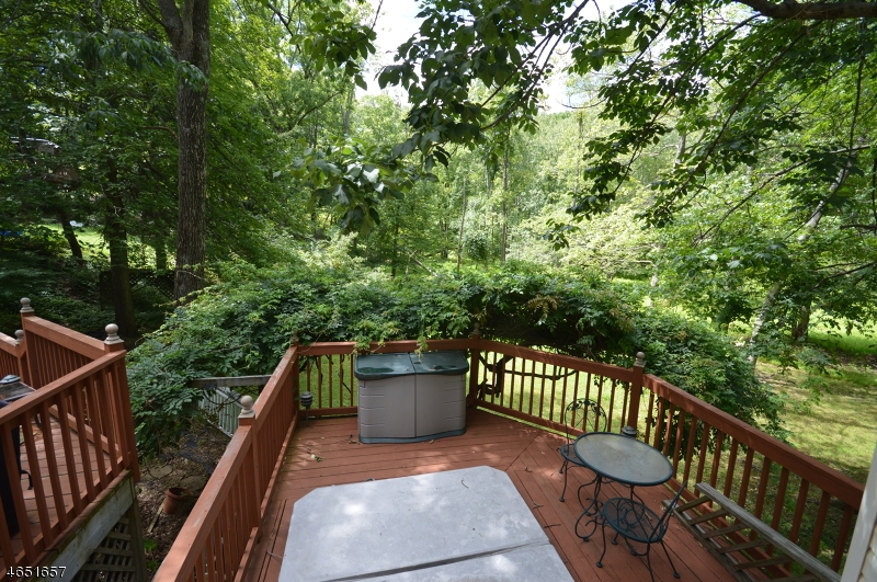 Additional photo for property listing at 755 W Shore Trail  Sparta, New Jersey 07871 États-Unis