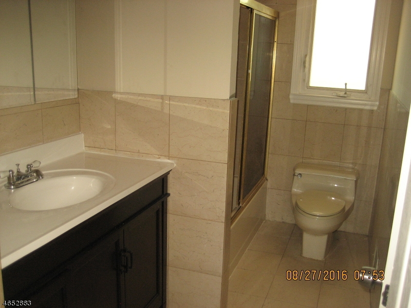 Additional photo for property listing at 49 Cori Street  Parlin, New Jersey 08859 États-Unis