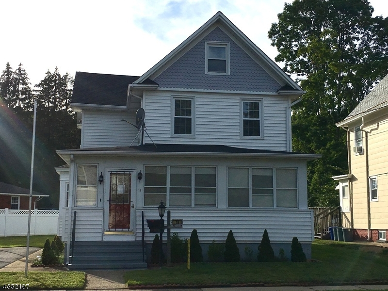 Additional photo for property listing at 19 Catherine Street  Bloomingdale, Nueva Jersey 07403 Estados Unidos