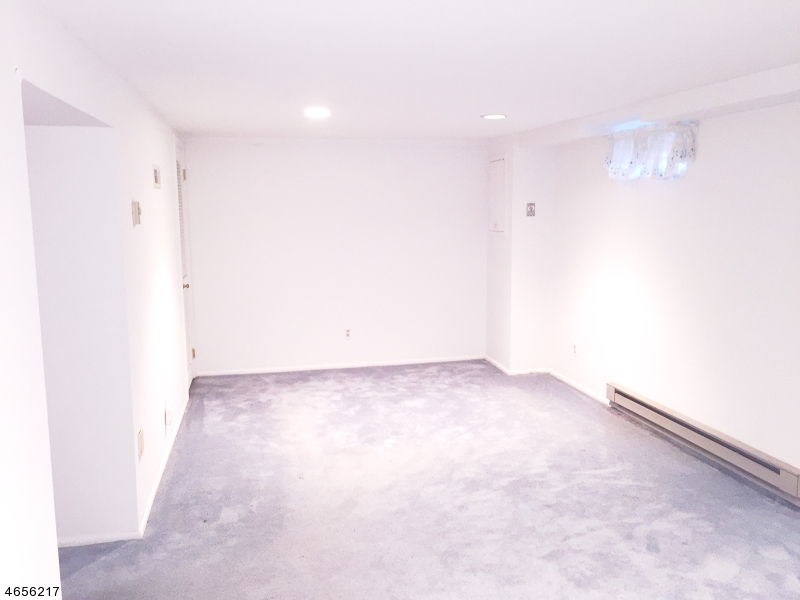 Additional photo for property listing at 38 Adler Court  Rockaway, Nueva Jersey 07866 Estados Unidos