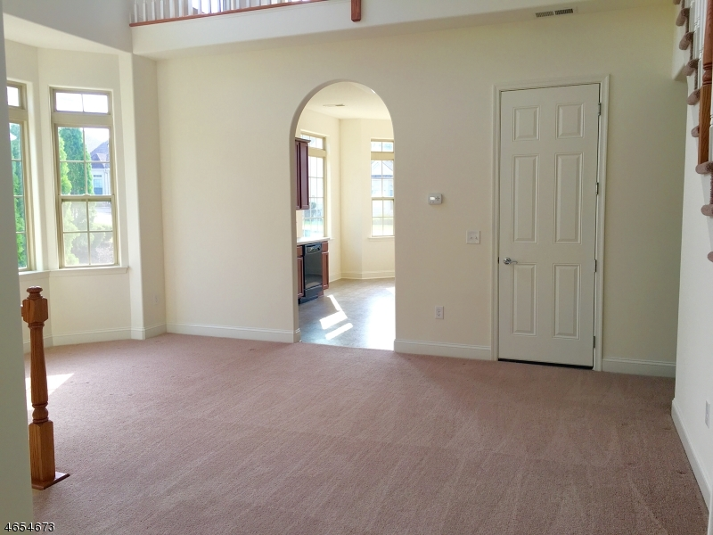 Additional photo for property listing at 21 Sylvia Street  Phillipsburg, New Jersey 08865 États-Unis