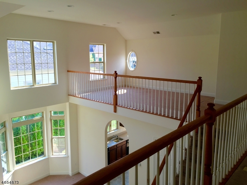 Additional photo for property listing at 21 Sylvia Street  Phillipsburg, Нью-Джерси 08865 Соединенные Штаты