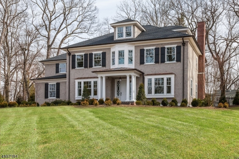 Single Family Home for Sale at 79 Highland Avenue Chatham, 07928 United States