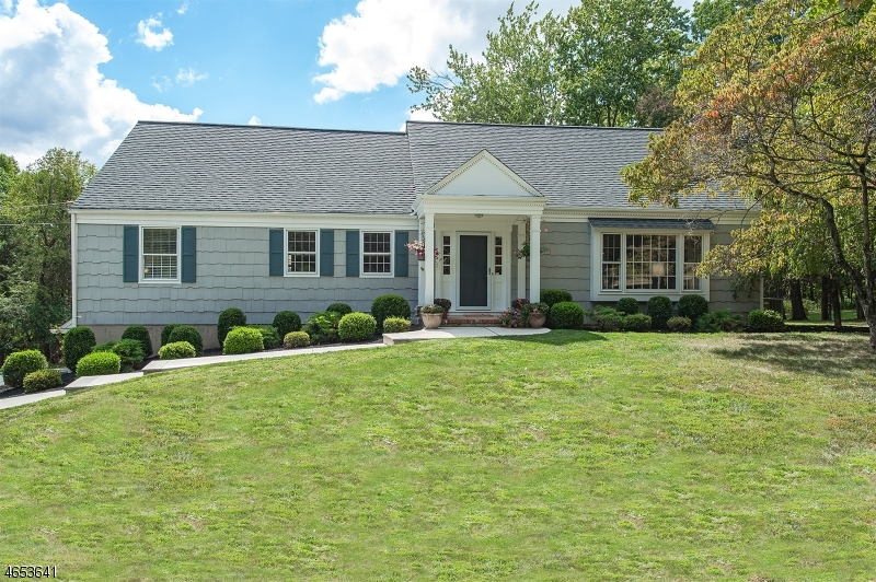 Частный односемейный дом для того Продажа на 2128 Primrose Lane Martinsville, 08836 Соединенные Штаты