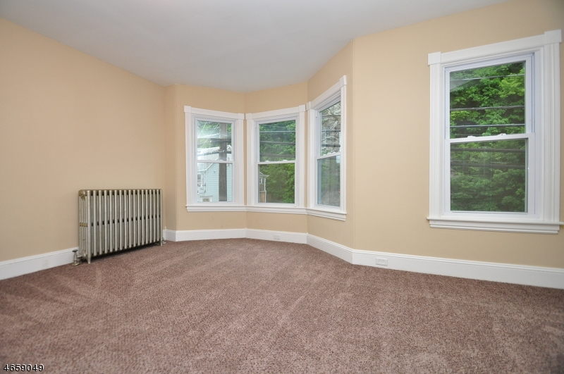 Additional photo for property listing at 774 S Main Street  Phillipsburg, New Jersey 08865 États-Unis
