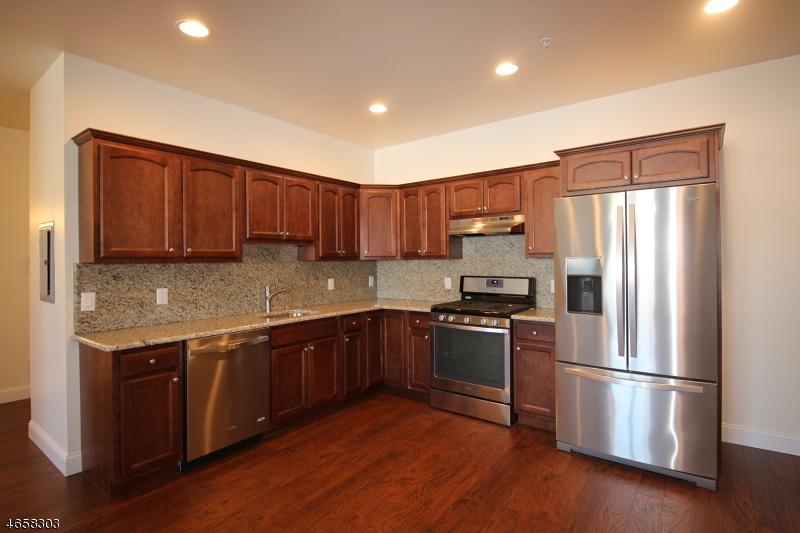 Частный односемейный дом для того Аренда на 373 Park Avenue Scotch Plains, 07076 Соединенные Штаты