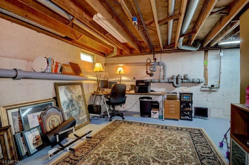 Additional photo for property listing at 25 Ames Road  Morristown, New Jersey 07960 États-Unis