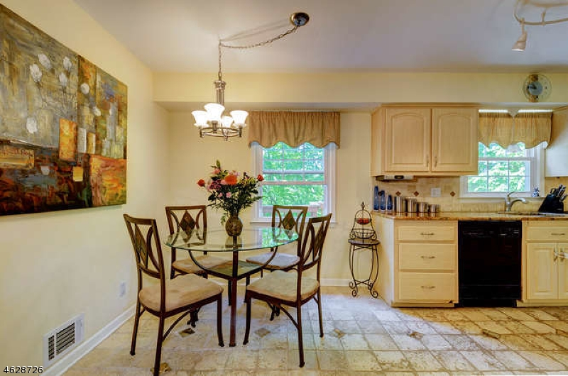 Additional photo for property listing at 25 Ames Road  Morristown, Nueva Jersey 07960 Estados Unidos