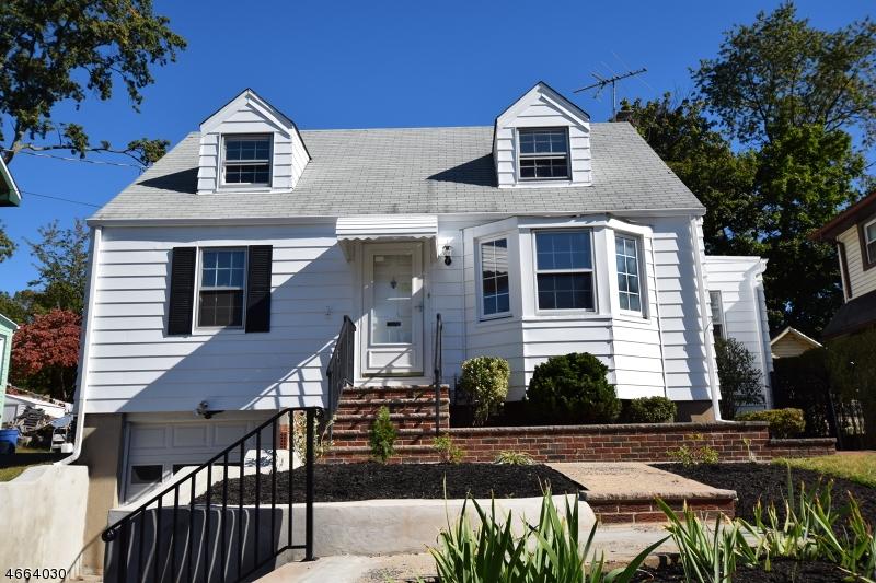 Частный односемейный дом для того Продажа на 150 Delacy Avenue Plainfield, Нью-Джерси 07060 Соединенные Штаты