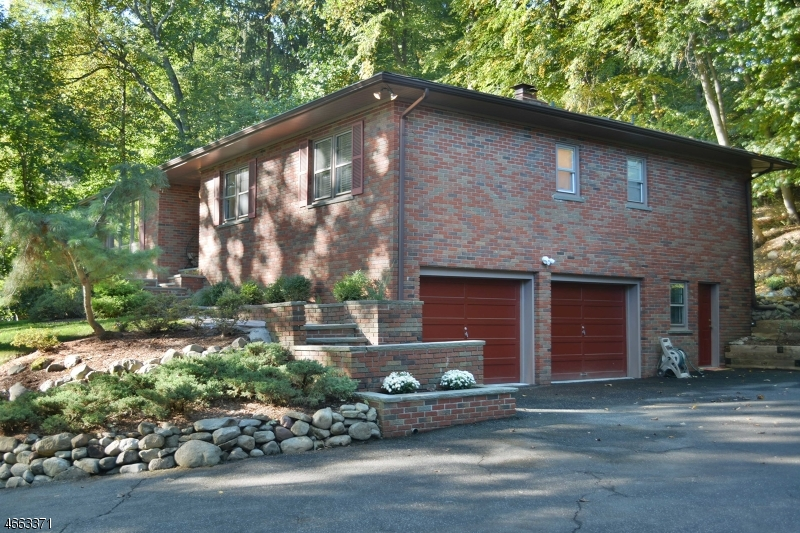 Additional photo for property listing at 46 Old Chimney Road  Upper Saddle River, Nueva Jersey 07458 Estados Unidos