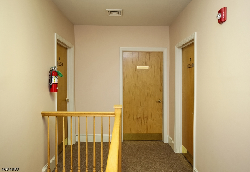Additional photo for property listing at 26 Millburn Ave FRONT  Springfield, Нью-Джерси 07081 Соединенные Штаты