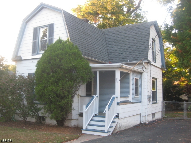 Частный односемейный дом для того Аренда на 24 Bergen Street Glen Rock, Нью-Джерси 07452 Соединенные Штаты