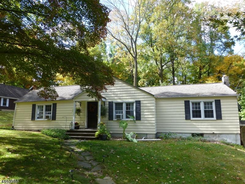 Maison unifamiliale pour l à louer à 35 Inwood Road Berkeley Heights, New Jersey 07922 États-Unis