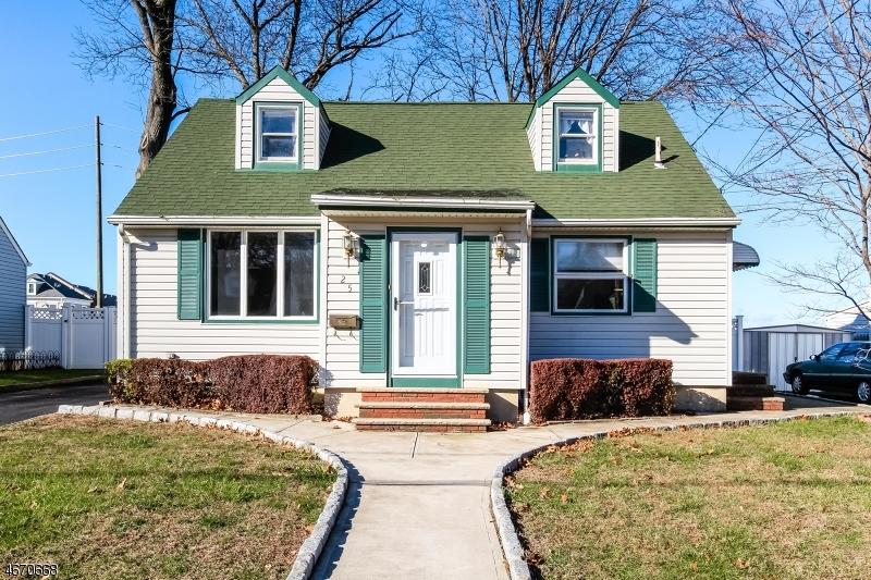 独户住宅 为 销售 在 25 Woodland Drive 哈斯布鲁克高地, 07604 美国