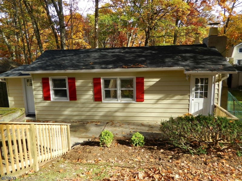 Частный односемейный дом для того Аренда на 21 Jefferson Trail Hopatcong, Нью-Джерси 07843 Соединенные Штаты