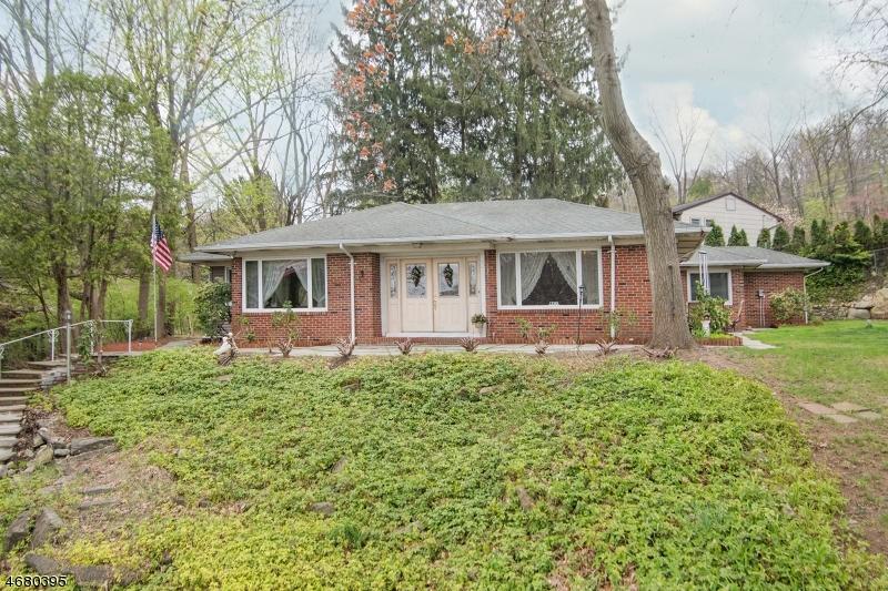 Частный односемейный дом для того Продажа на 158 Mount Arlington Blvd Landing, 07850 Соединенные Штаты
