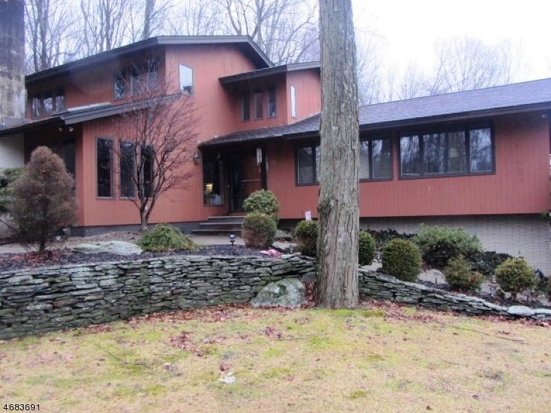 Einfamilienhaus für Verkauf beim 31 PAYNE ROAD 31 PAYNE ROAD Andover Township, New Jersey 07860 Vereinigte Staaten