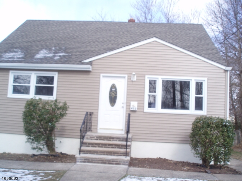 Single Family Home for Sale at 422 W 2nd Avenue Roselle, New Jersey 07203 United States